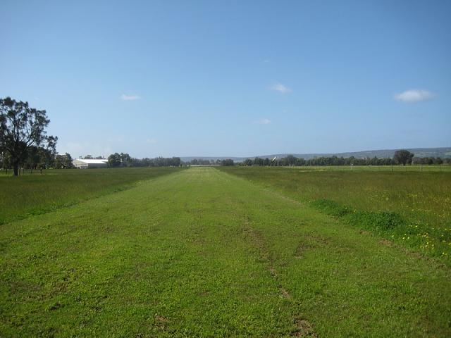 Click image for larger version.  Name:North South aspects Airstrip 007.jpg Views:122 Size:162.9 KB ID:154094